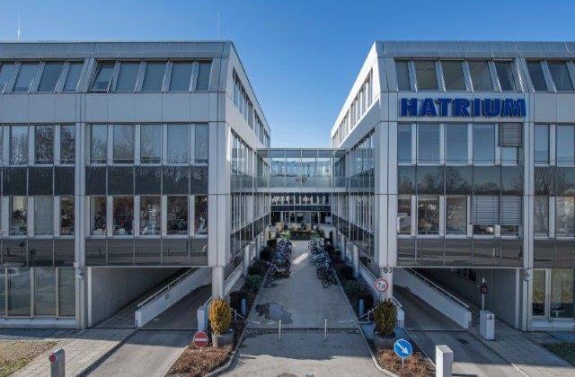 """d918d83370d8da Die Schwaiger Group hat vergangene Woche das Bürogebäude """"Hatrium"""" mit  einer Brutto-Grundfläche von 19.000 Quadratmetern in Unterhaching erworben."""